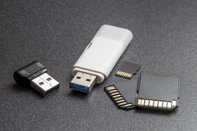jak odzyskać zdjęcia z karty pamięci